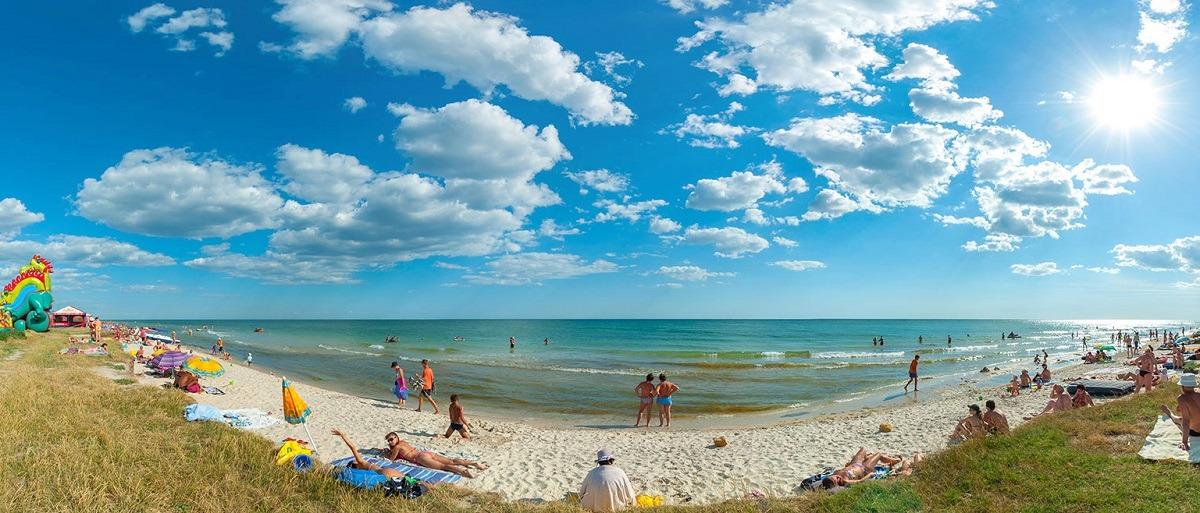 Поездки в Лазурное - лучший выбор с компанией Днепр-Море.