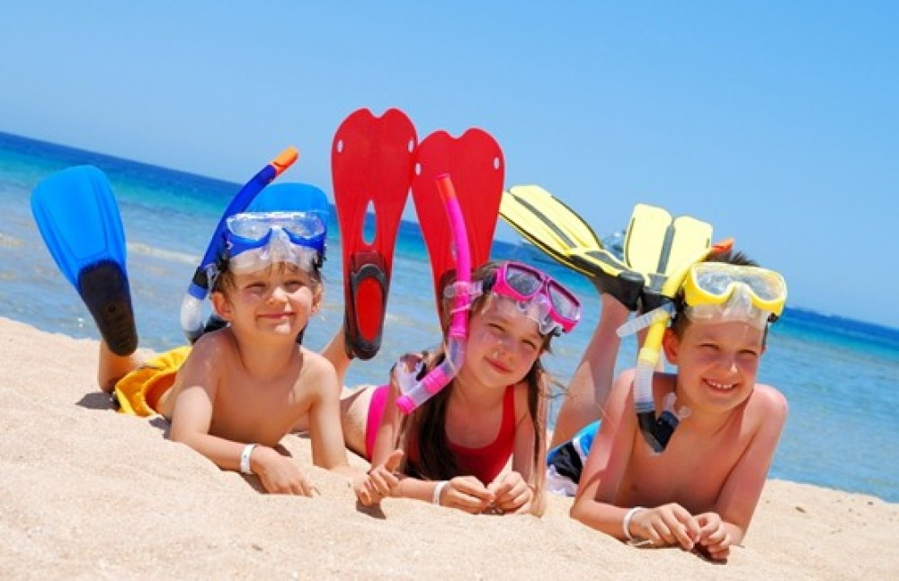 Поездки в Лазурное - лучший отдых с детьми. Компания Днепр-Море.