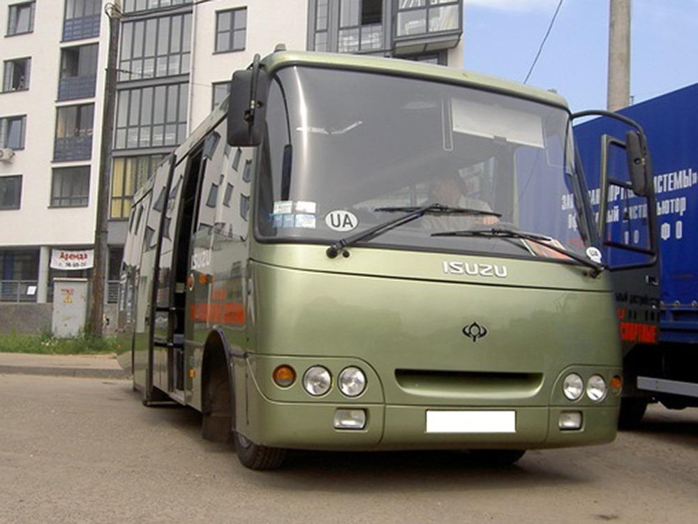 Заказать комфортабельный автобус. Isuzu (зелёно-оливковый). Компания Днепр-Море.