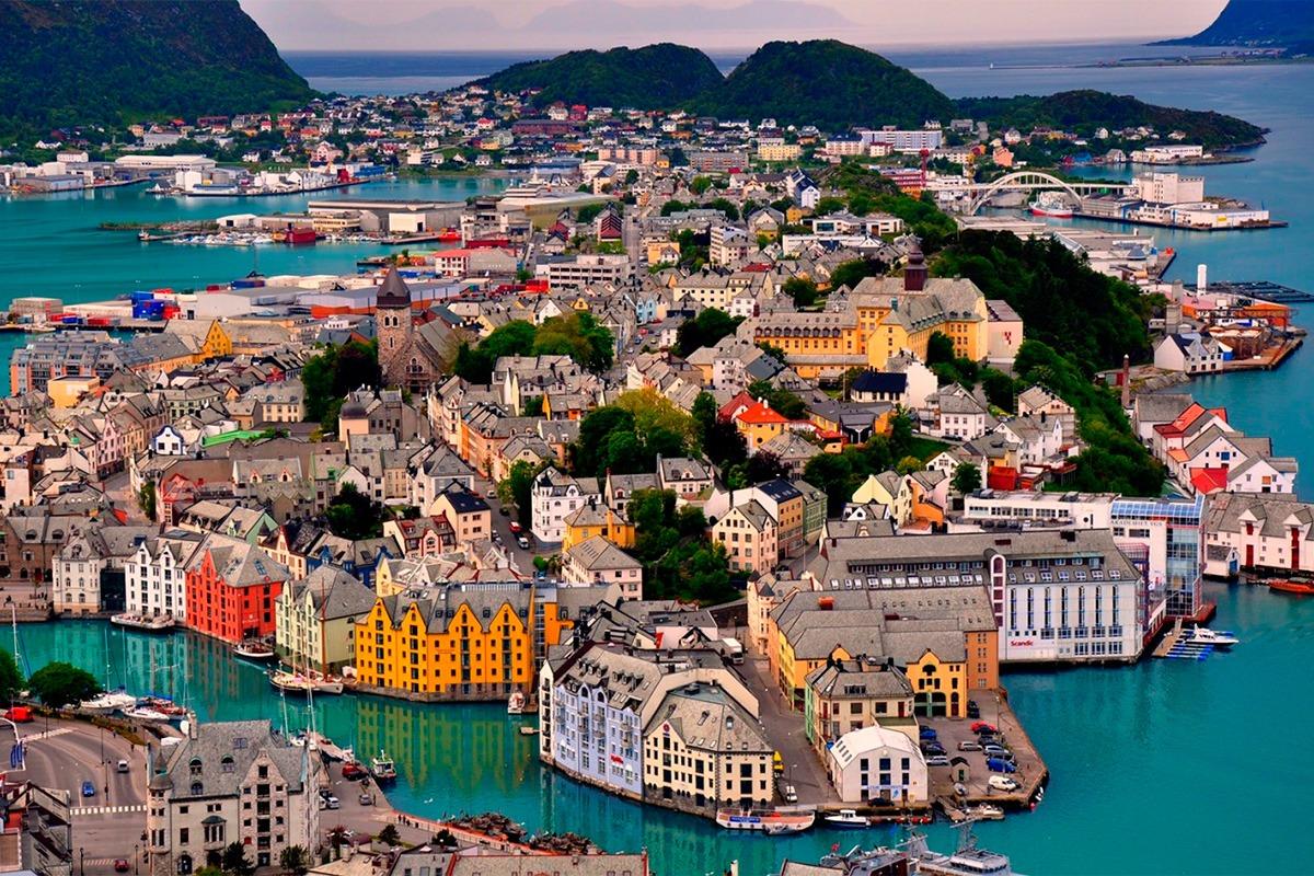 Поездки в Данию с комфортом. Компания Днепр-Море.