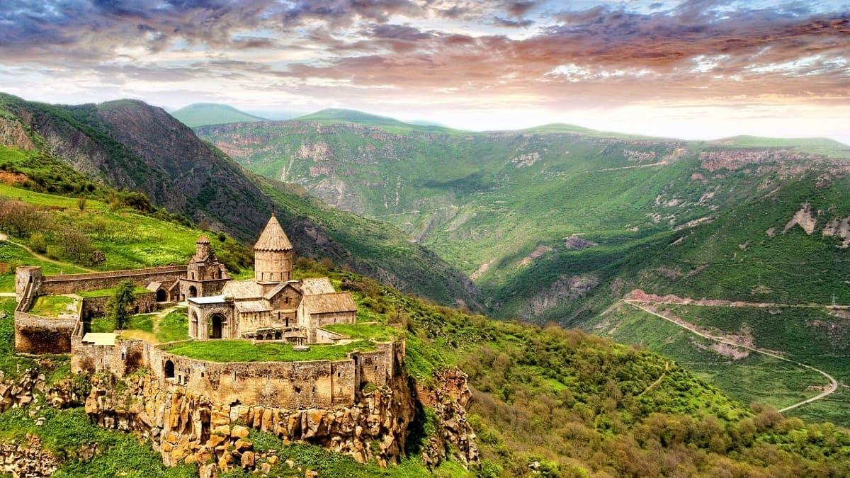 Поездки в Армению с компанией Днепр-Море.