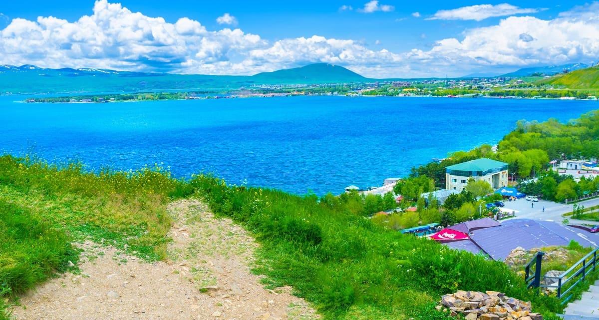 Пляжный отдых в Армении с компанией Днепр-Море