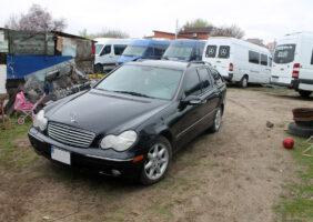 Mercedes-C240_1