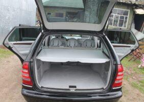 Mercedes-C240_13