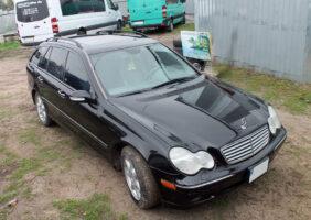 Mercedes-C240_3