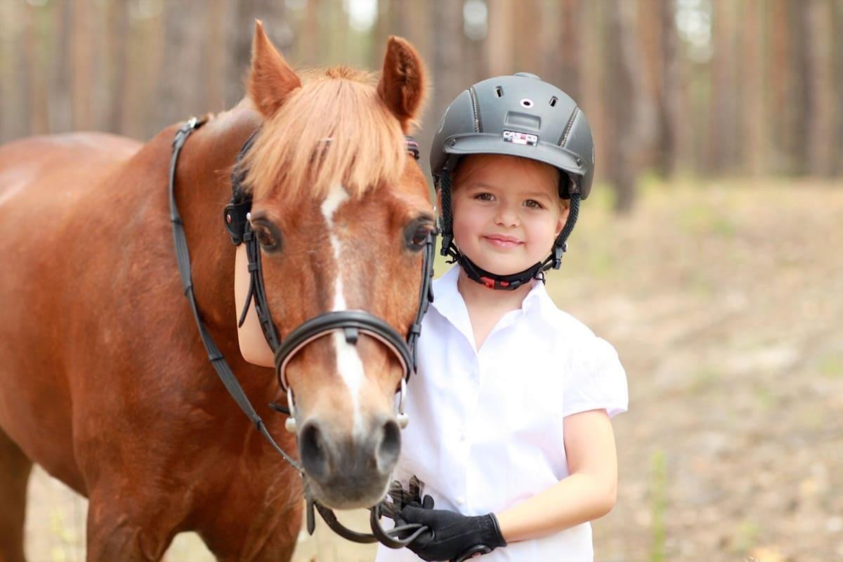 Детские тренировки на конюшне. Днепр-Море